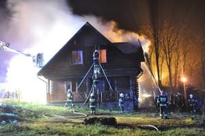 pożar plebanii w Ługach