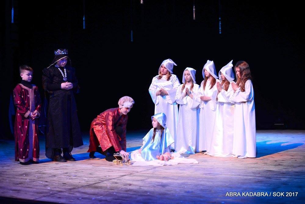 Abra Kadabra w finale z przedstawieniem Dar Serca- fot. SOK