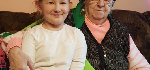 Marianna Kazuk z 6-letnią prawnuczką Anią - fot. ZS